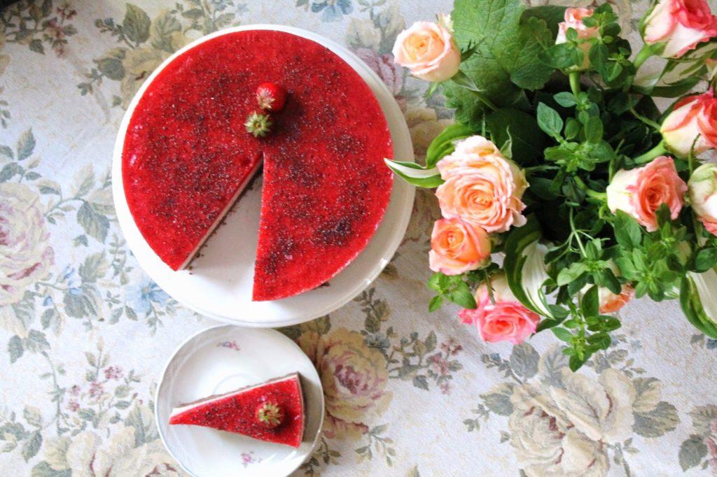 maasika-avokaado-sokolaadivarvilinekook-2