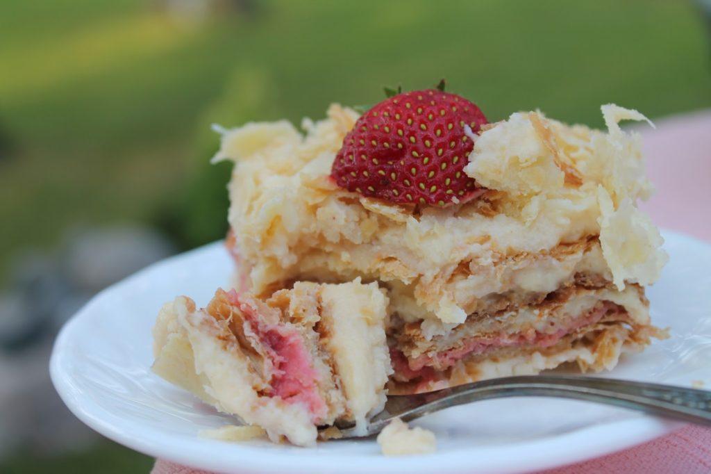 maasika-napoleonitort