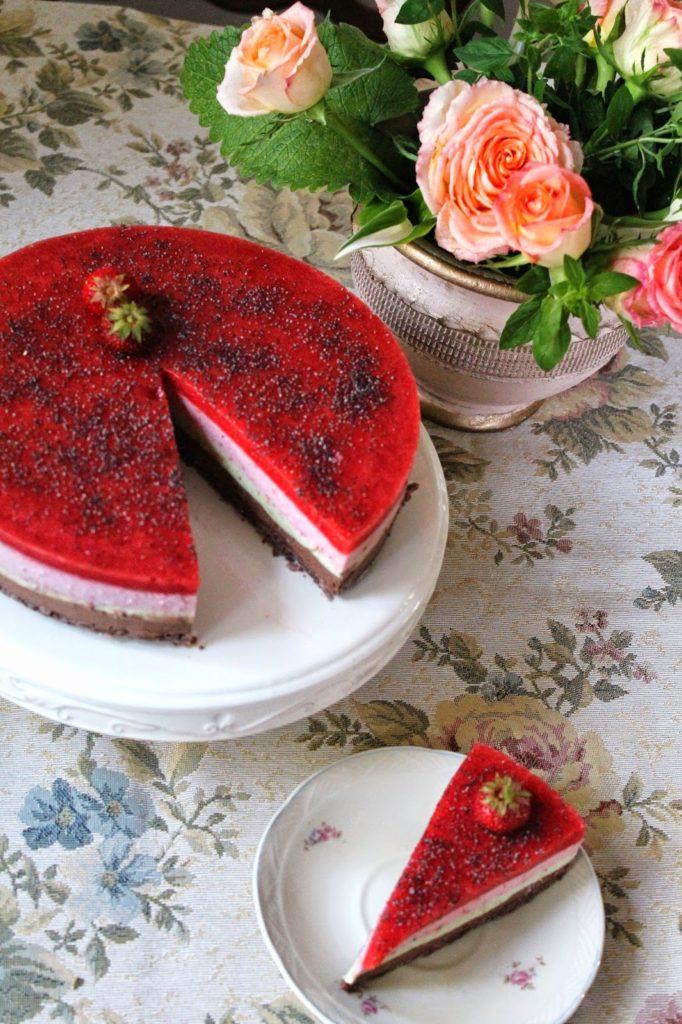 maasikaavokaadosokolaadivarvilinekook3